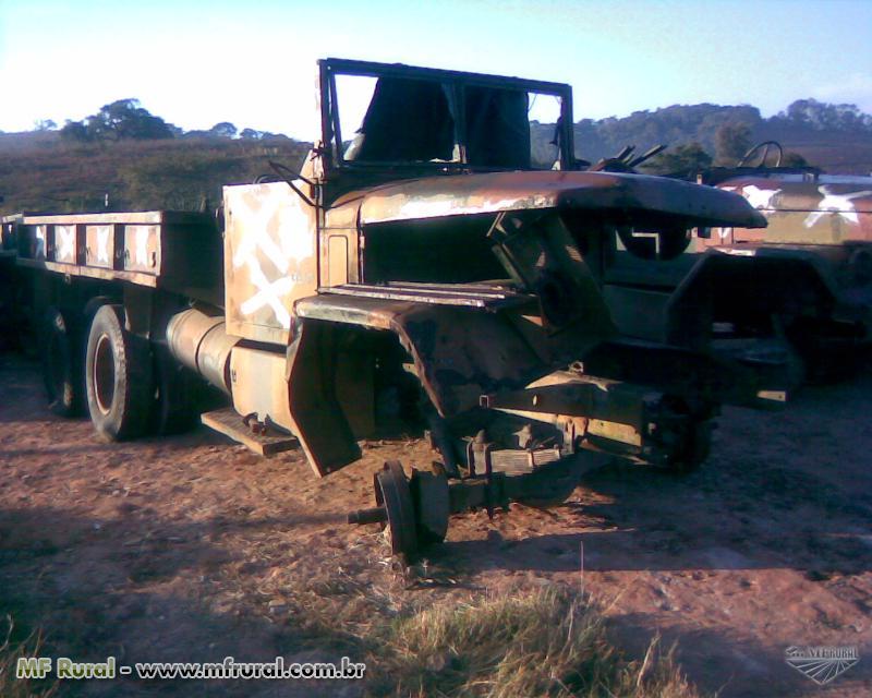 Caminhão militar sucata para retirar peças REO M35  ano 53