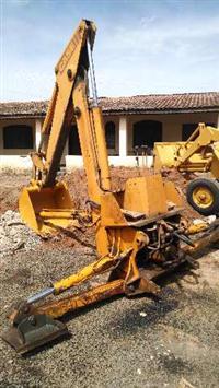 Implemento Braço de Retro Escavadeira Case 580 H