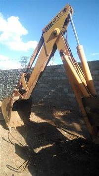 Braço de Retro Escavadeira Case 580h 88