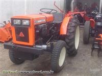 Mini/Micro Trator  AGRALE 4100 C/ ARADO E GRADE REVISADO C/ GARANTIA TOTAL  4x2 ano 84