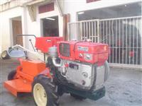 Mini/Micro Trator TOBATTA DE 14CV C/PARTIDA ELETRICA  POUCO USO 4x2 ano