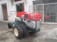 Mini/Micro Trator TOBATTA ANO 94 C/MOTOR ZERO MARCA ENGINE 14CV PARTIDA ELETRICA  4x2 ano