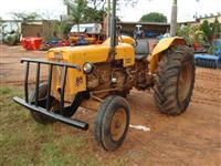 Trator Valtra/Valmet 85 ID 4x2 ano 76