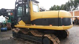 Escavadeira Caterpillar 320 CL ano 2003 com garra