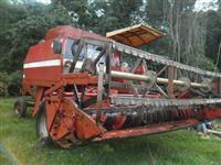 Colheitadeira Massey Ferguson 3640 ano 84 com plataforma de soja e milho