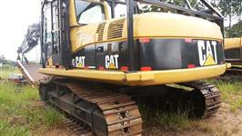 Escavadeira Caterpillar 320 CL ano 2004 com Cabeçote LogMax 7000C para cortar