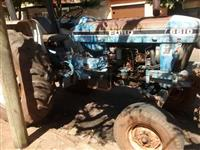 Trator Ford/New Holland 6610 4x2 ano 88