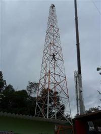 TORRE METÁLICA PARA TELEFONIA, INTERNET , RÁDIO COMUNITÁRIA , FM ,ETC