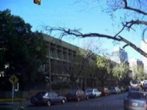 Escuela Normal Superior en Lenguas Vivas, en Juncal 3225 esq. Salguero