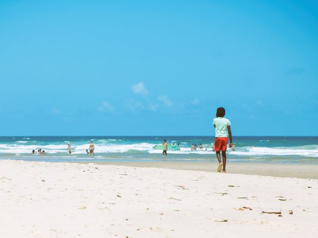Poster Menino na Praia