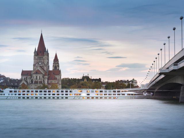 Poster Às margens do Danúbio
