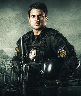 UM BRASILEIRO NA SWAT