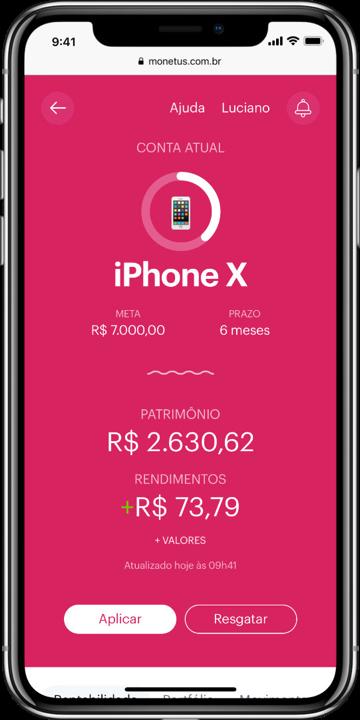 Smartphone com tela inicial do web app da Monetus