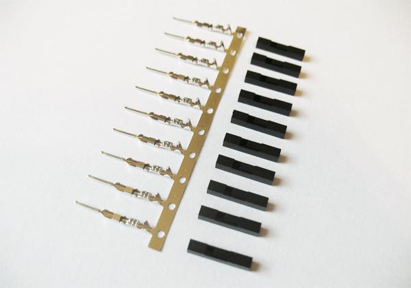 Conector crimp e encapsulamento 1x1 macho (conjunto com 10)