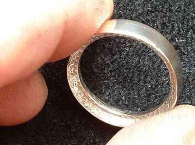 Fazendo um anel com uma moeda