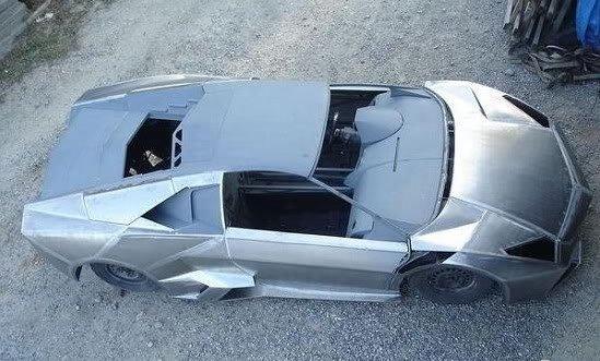 10ad Fabricou seu próprio Lamborghini na garagem