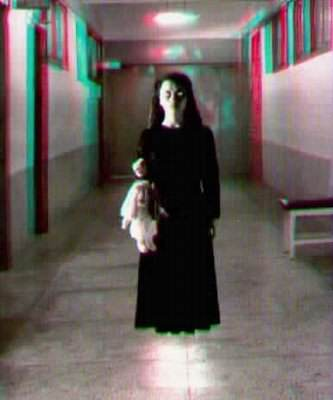 O fantasma da menina no corredor