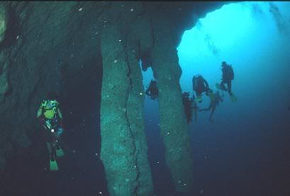 O grande buraco azul