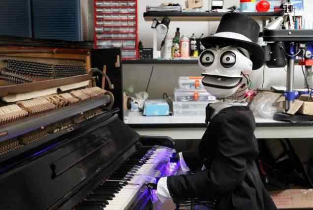 Conheça Teotronico, o robô pianista