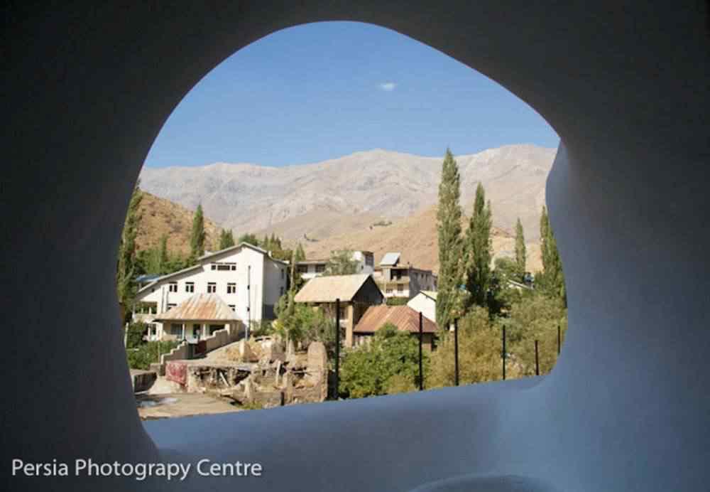 A curiosa arquitetura de um chalé no Irã