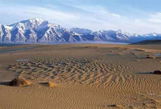 A curiosa paisagem de deserto  na Sibéria