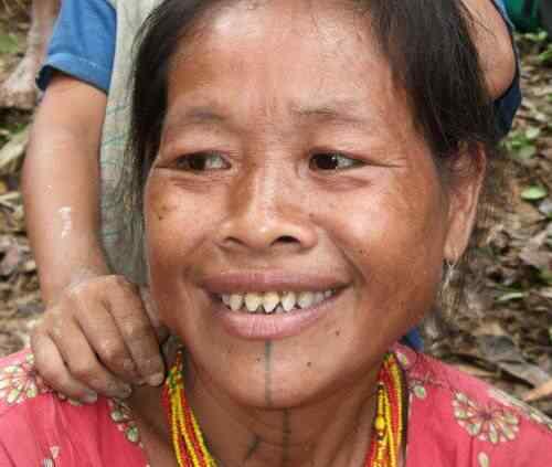 Sorrisos demoníacos da Indonésia