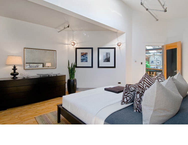 Warehouse Converted into Luxury Loft Apartment in San Francisco 32 Solteiro em busca de ideias? Olha aí uma casa sensacional!