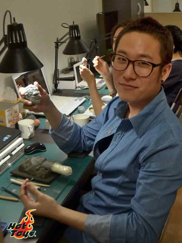 sculptors 6 Conheça os doidos escultores da Hot Toys
