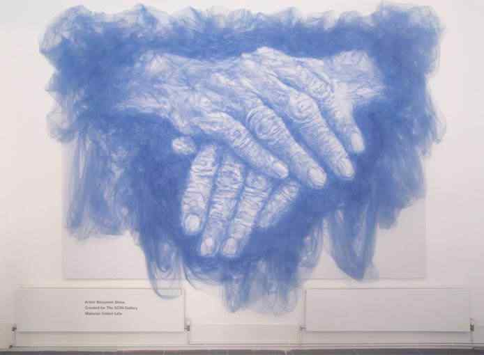1 handsoftime A incrível arte de Benjamin Shine usando ferro de passar