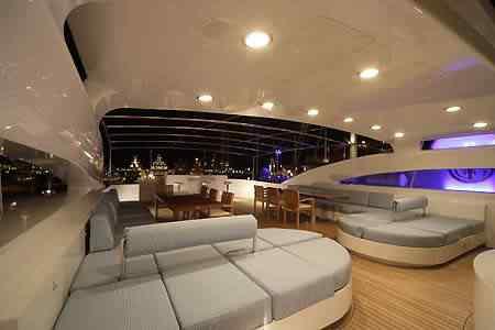 Luxury-yacht-charter-2