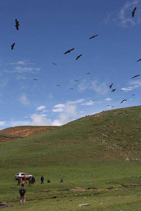 0 ef73a 4af16d23 orig Sepultamento celestial no Tibete (AVISO: não recomendado para pessoas impressionáveis)