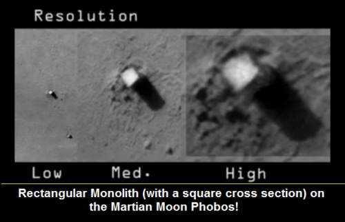 monolith_on_martian_moon_phobos