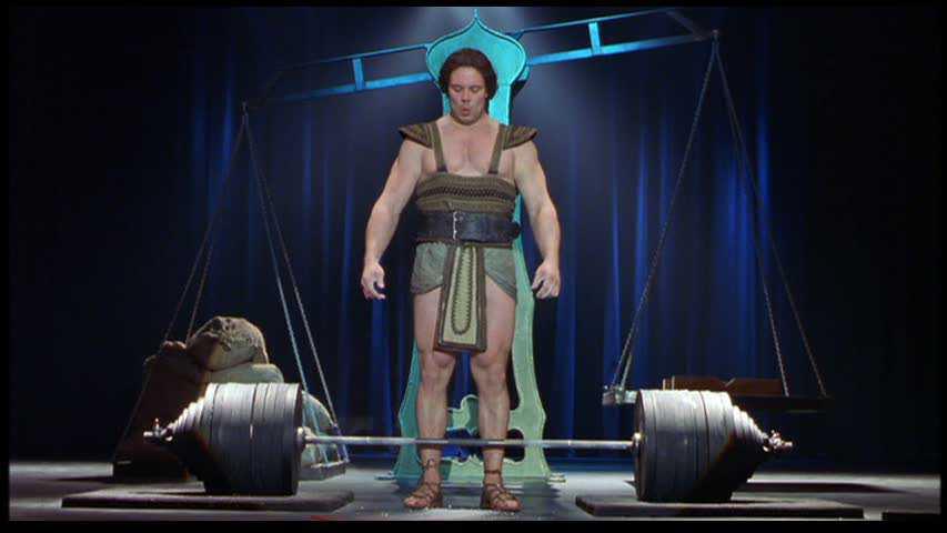 Por que Juko Ahola e não um fisiculturista? Porque Herzog queria um cara que fosse forte, e não malhado.