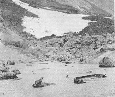 abandoned-lifeboat-on-bouvet-island