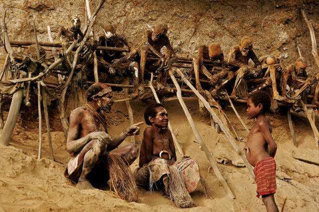 anga-mummies-cliff