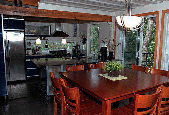 shipping-container-home_2_iAHS2_69