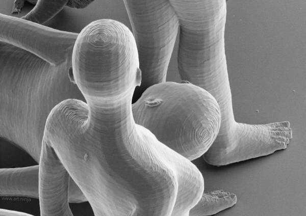 Jonty Hurwitz 3d printed nano structure 12 Impressão 3d: Artista cria esculturas com a dimensão de um espermatozóide!