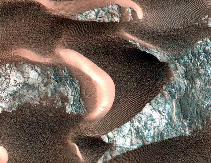 Mars_dunes_770
