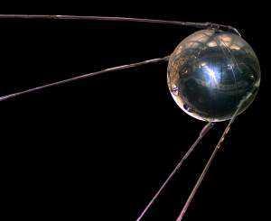 Este é o Sputnik 1, o primeiro satélite artificial (que se sabe)
