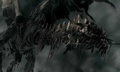 Este dragão esqueleto é o único que presta no filme. Os demais são PODRE