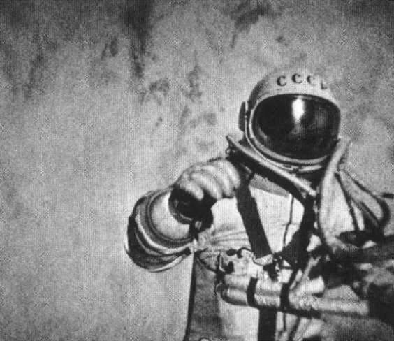 30-Alexei-Leonov-Space-walk