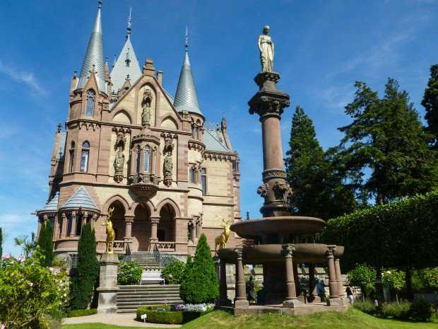 Castle-Schloss-Drachenburg-GErmany-1-620x465
