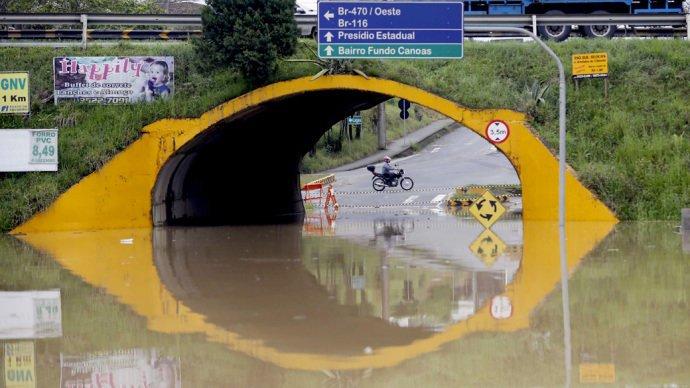 Chuvas, inundações, enchentes, dengue. Entra ano sai ano. Só piora.