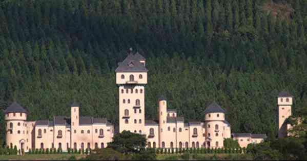 castelo-monalisa-visto-de-longe