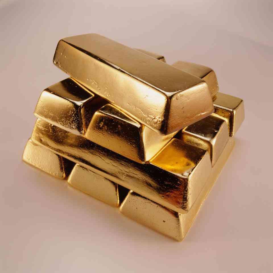 Dia de sorte gump: Sujeito encontra barras de ouro no tanque de um... Tanque