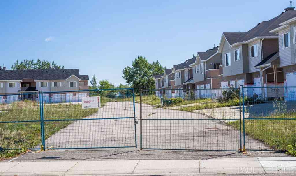 Mansões abandonadas no Canadá