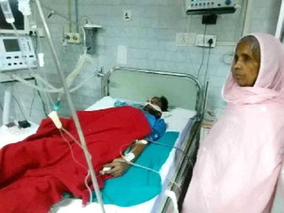 Um indiano foi internado com dor de barriga. O que os médicos encontraram dentro dele você não vai acreditar!