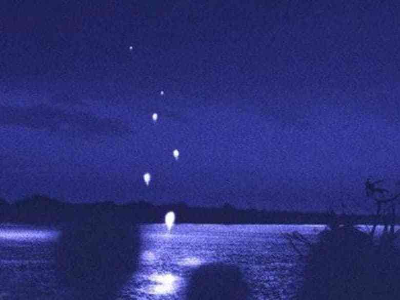 Foto gump do dia: Naga Fireballs - As esferas luminosas