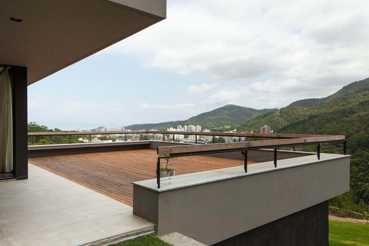 Uma bela casa com vista para a Mata Atlântica no Brasil