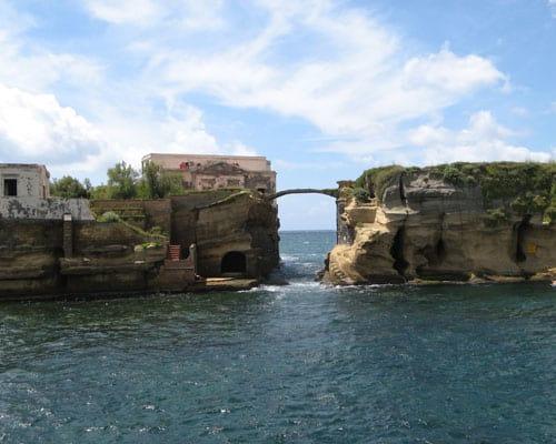 A misteriosa ilha em que todos os que moraram lá, se deram mal